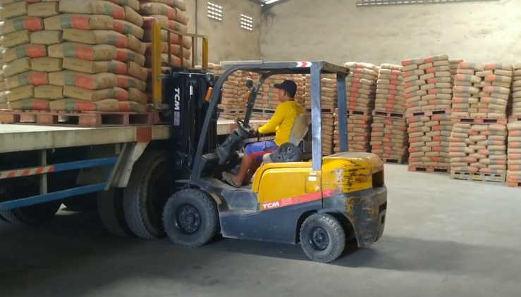 Sewa Forklift Semarang