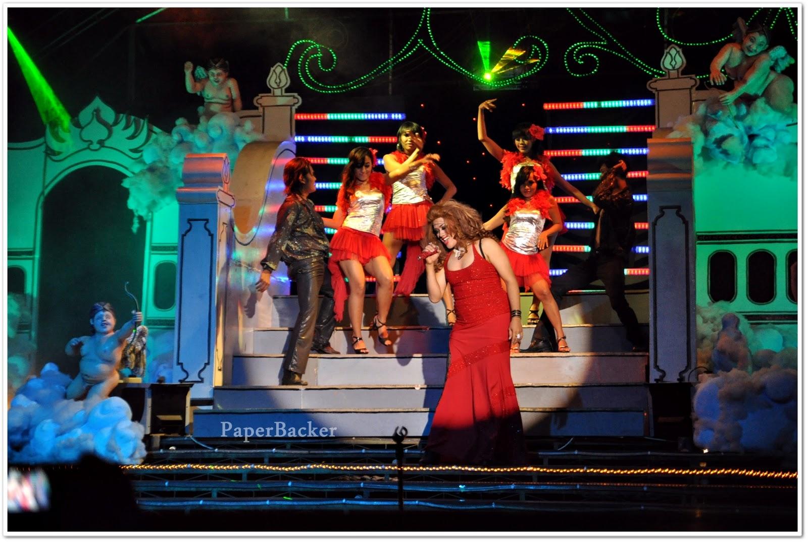 Cabarete Show Oyot Godhong Cafe, Mengintip Pertunjukan Seru ala Lady Boy