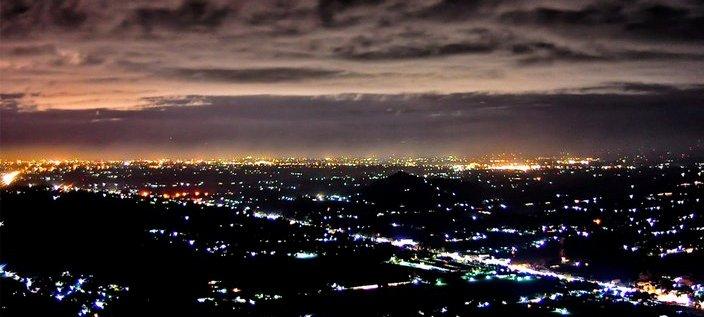 Menikmati Bintang-Bintang Kota Jogja dari Bukit Bintang